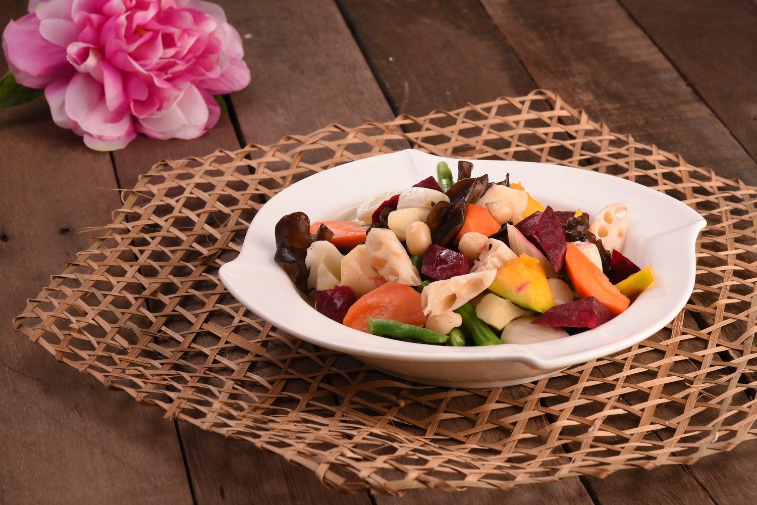 Stir Fried Mix Vegetables with Macadamia Nuts