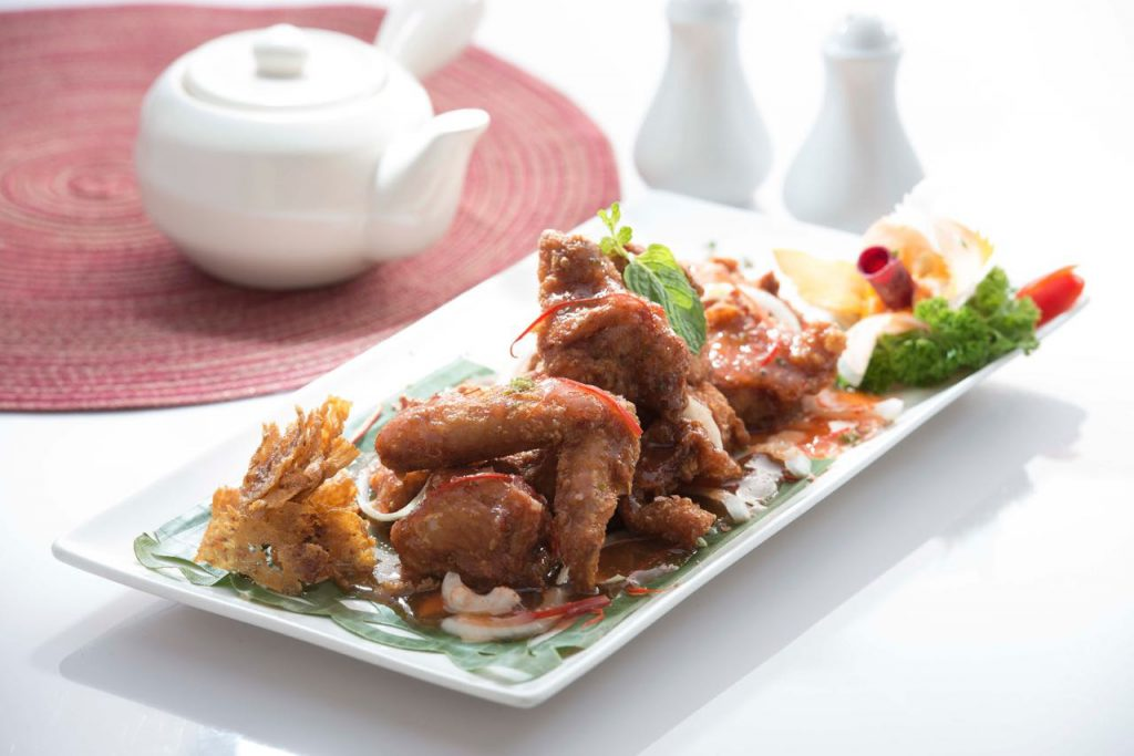 Deep Fried Chicken Wings with Thai Sauce