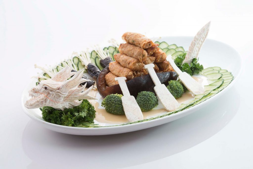 Braised Whole Sea Cucumber in Dragon Boat